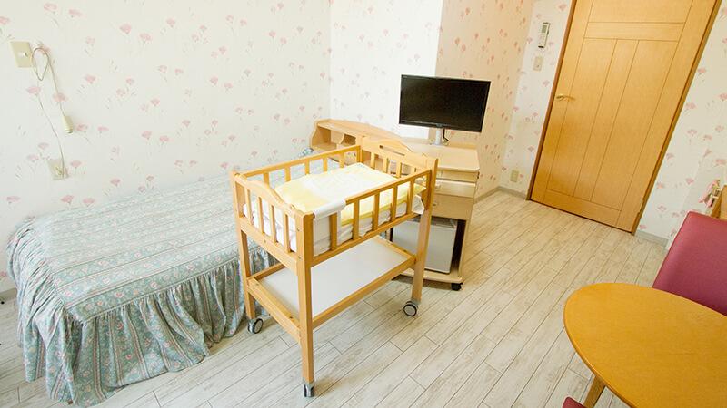 203号室のベッド周辺イメージ